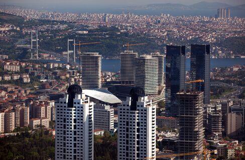 Turkey Upgraded to Ba1 From Ba2 at Moody's