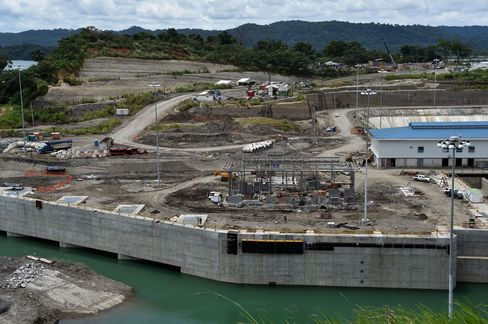 View of the expansion works underway at the Panama Canal Gatun Locks