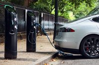 U.K. Joins France, Says Goodbye To Fossil-Fuel Cars By 2040