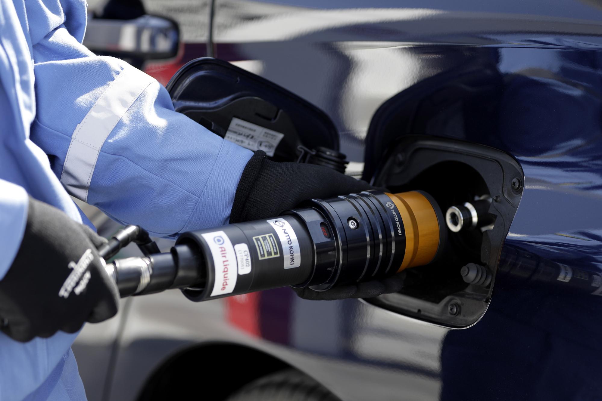 bloomberg.com - Adam Minter - China's Hydrogen Economy Is Coming