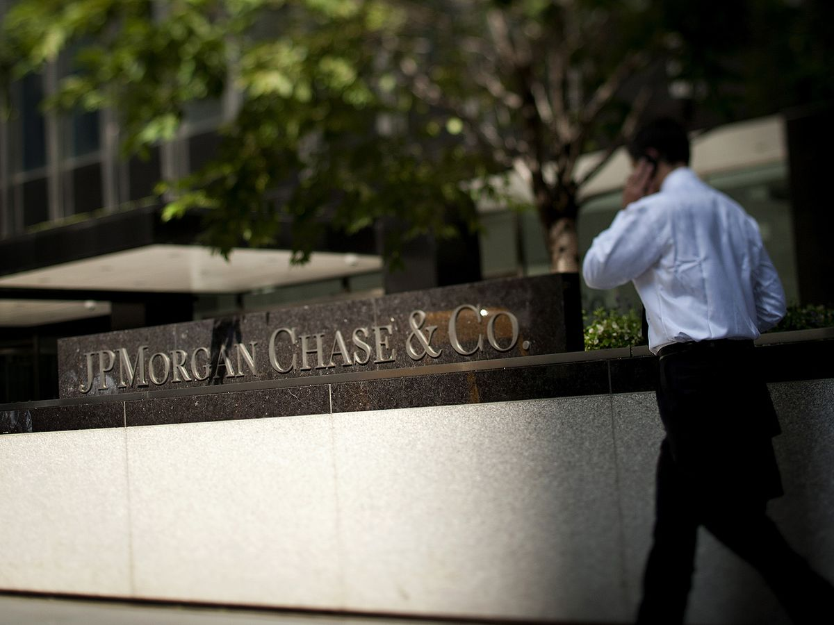 JPMorgan Plans Call With Clients to Address Market Volatility