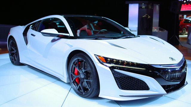 the 2017 acura nsx rubs elbows with new fans in detroit bloomberg. Black Bedroom Furniture Sets. Home Design Ideas