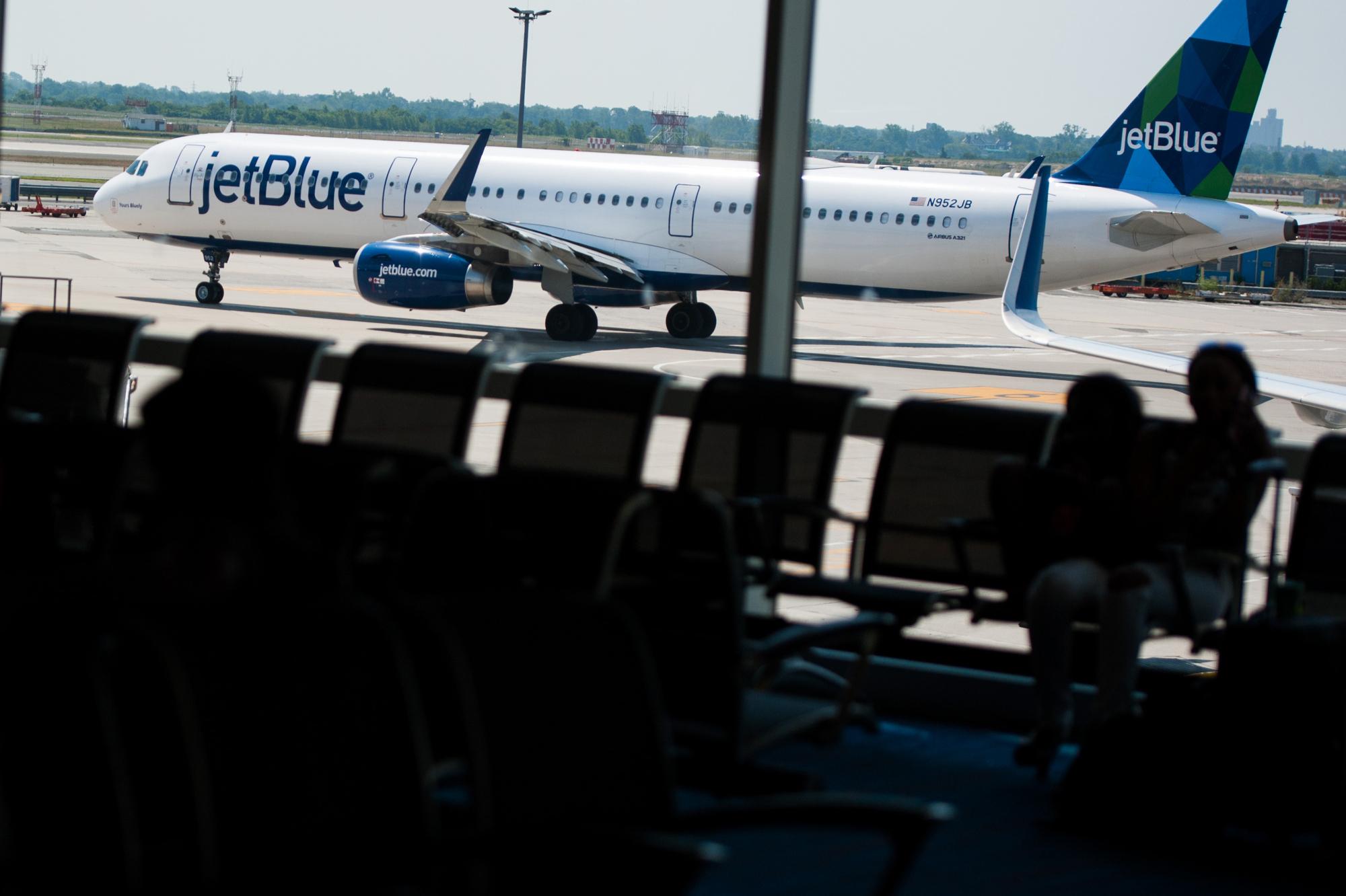 Resultado de imagen para jetblue A321neo png