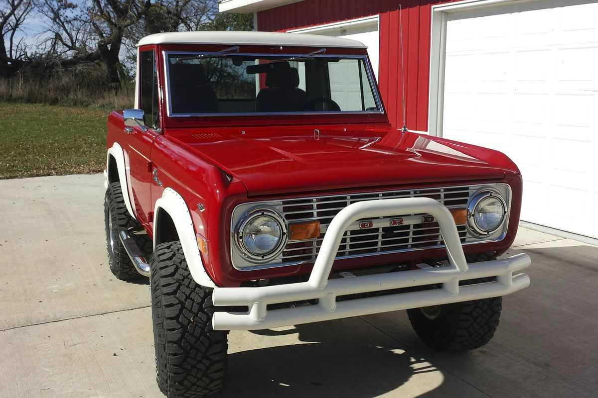 Buy a Vintage Ford Bronco Now, Before They Cost More Than $100,000 ...