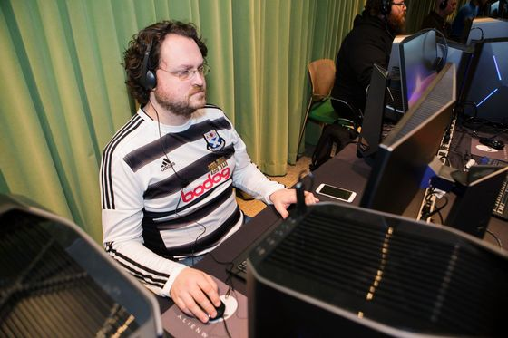 $1 Billion Video-Game Coaching Business Ramps Up During Lockdown