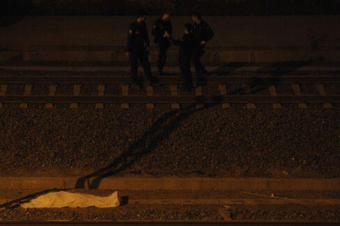 Spanish Train Crash Kills 77, Biggest Toll Since Madrid Bombing