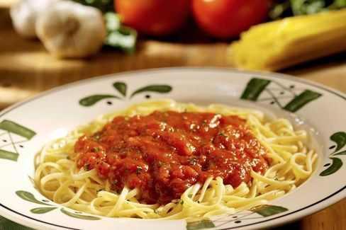 Olive Garden Pushes Smaller Portions and Online Ordering