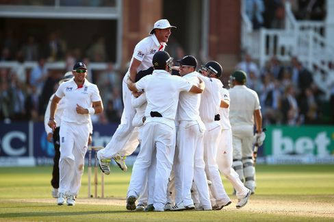 England Beats Australia to Take 2-0 Lead in Ashes Cricket Series