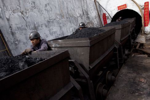 China Suspends Coal Mines Ahead of Congress, Boosting Prices