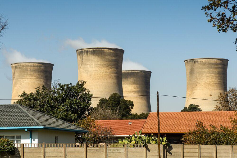 Ramaphosa Mulls Green Energy Plan to Cut Eskom's Debt Payments