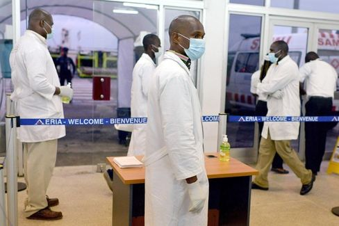 Ebola Travel Bans Buy Only Time, Not Safety