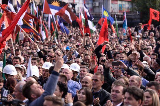Putin, Vucic Discuss 'Future Steps' on Serbia-Kosovo Deal