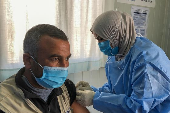 Pfizer Supplies Jordan, Lebanon With Covid Vaccines for Refugees