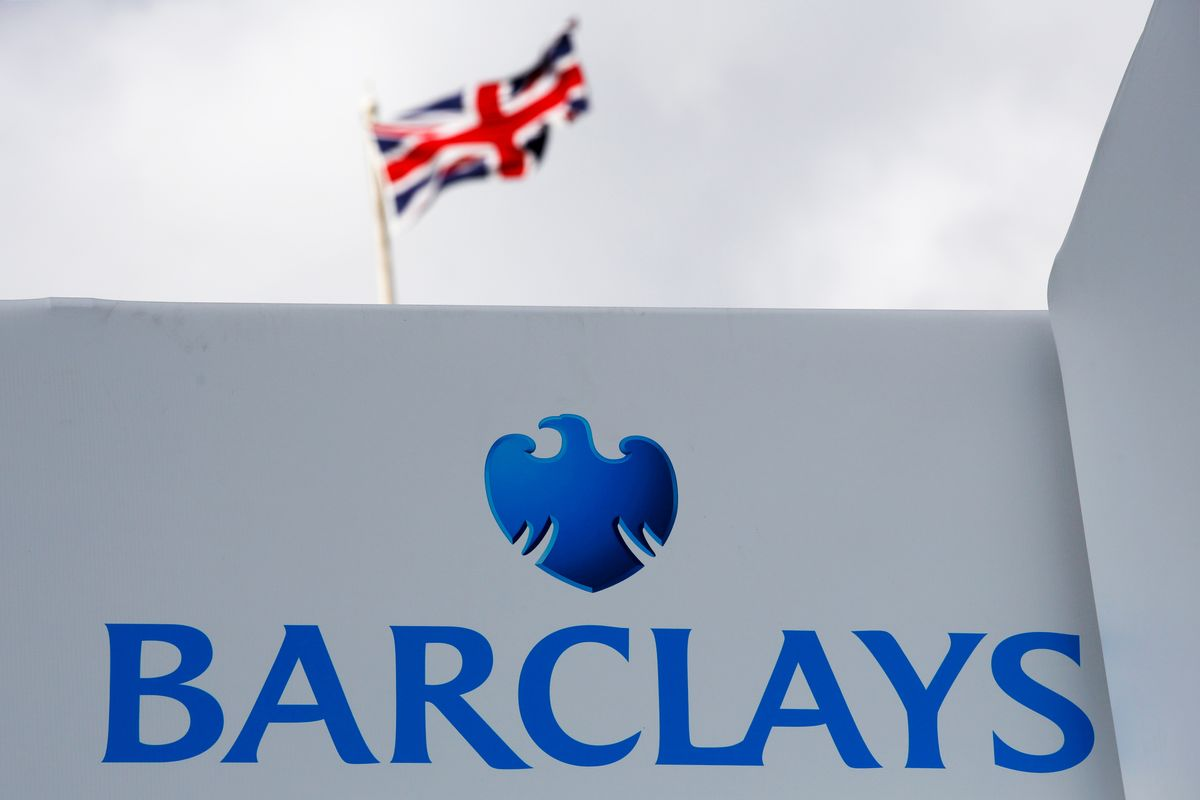 Barclays Exploring Potential Merger With StanChart, FT Reports
