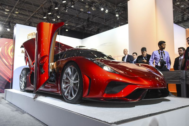 Koenigsegg Regera Specs Price Video Photos Supercar Debut