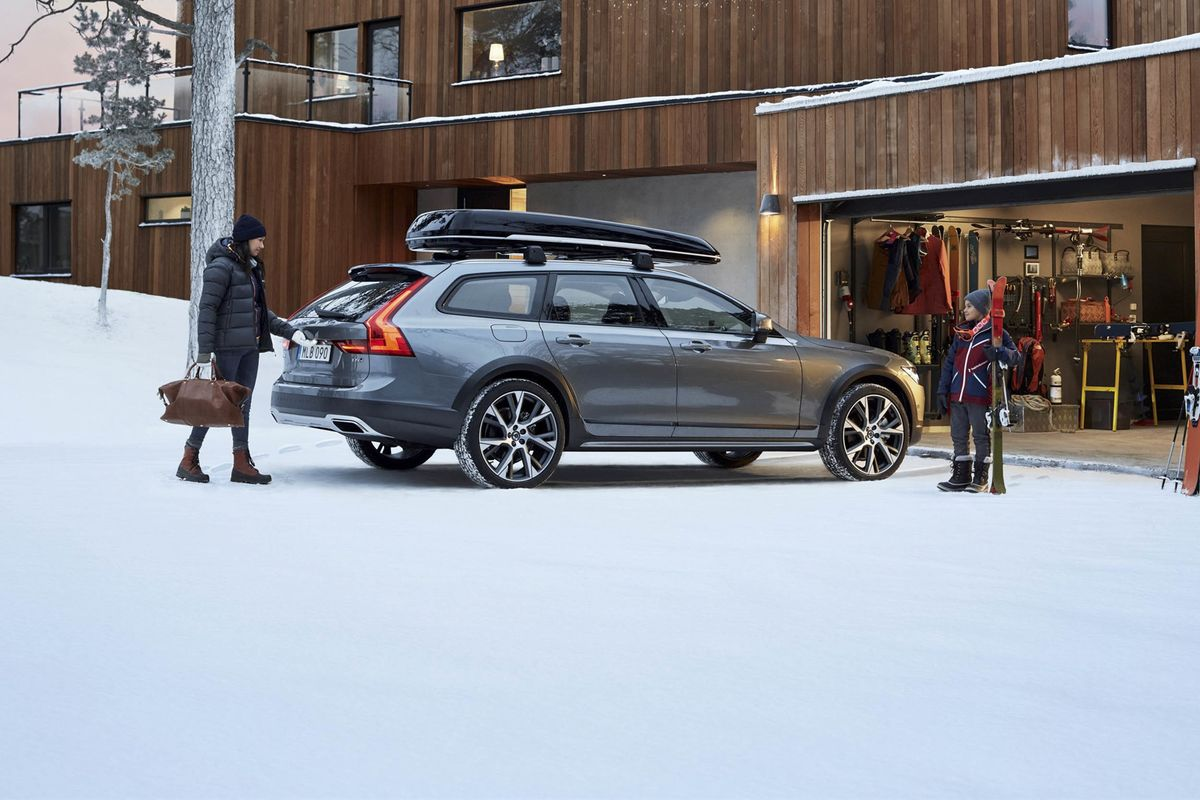 The Seven Most Fun Cars to Take Skiing