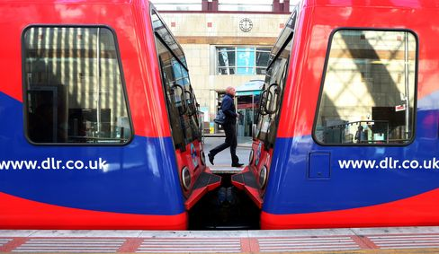 The action concerns the use of agency staff by operator KeolisAmey Docklands and the monitoring of staff with closed-circuit cameras, according to RMT General Secretary Mick Cash, who said management had also failed to carry out sufficient levels of risk assessment -- jeopardizing the safety of employees and the public.