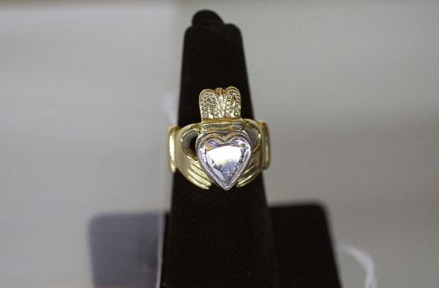 Bulger's gold Claddagh ring.
