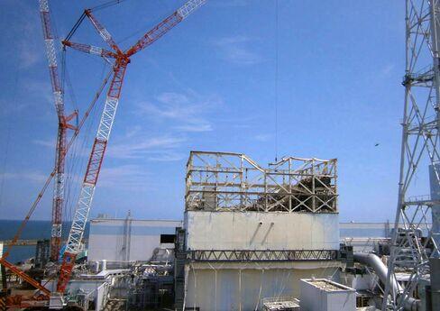 Fukushima Brings Japan's Nuclear Debate Full Cir