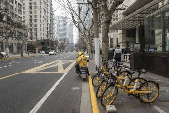 Chinese Abandon Food Delivery Fearing Drivers Will Spread Virus