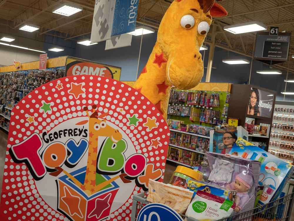 New Toys R Us Owners Said To Mull Physical Stores In 2019 Bloomberg