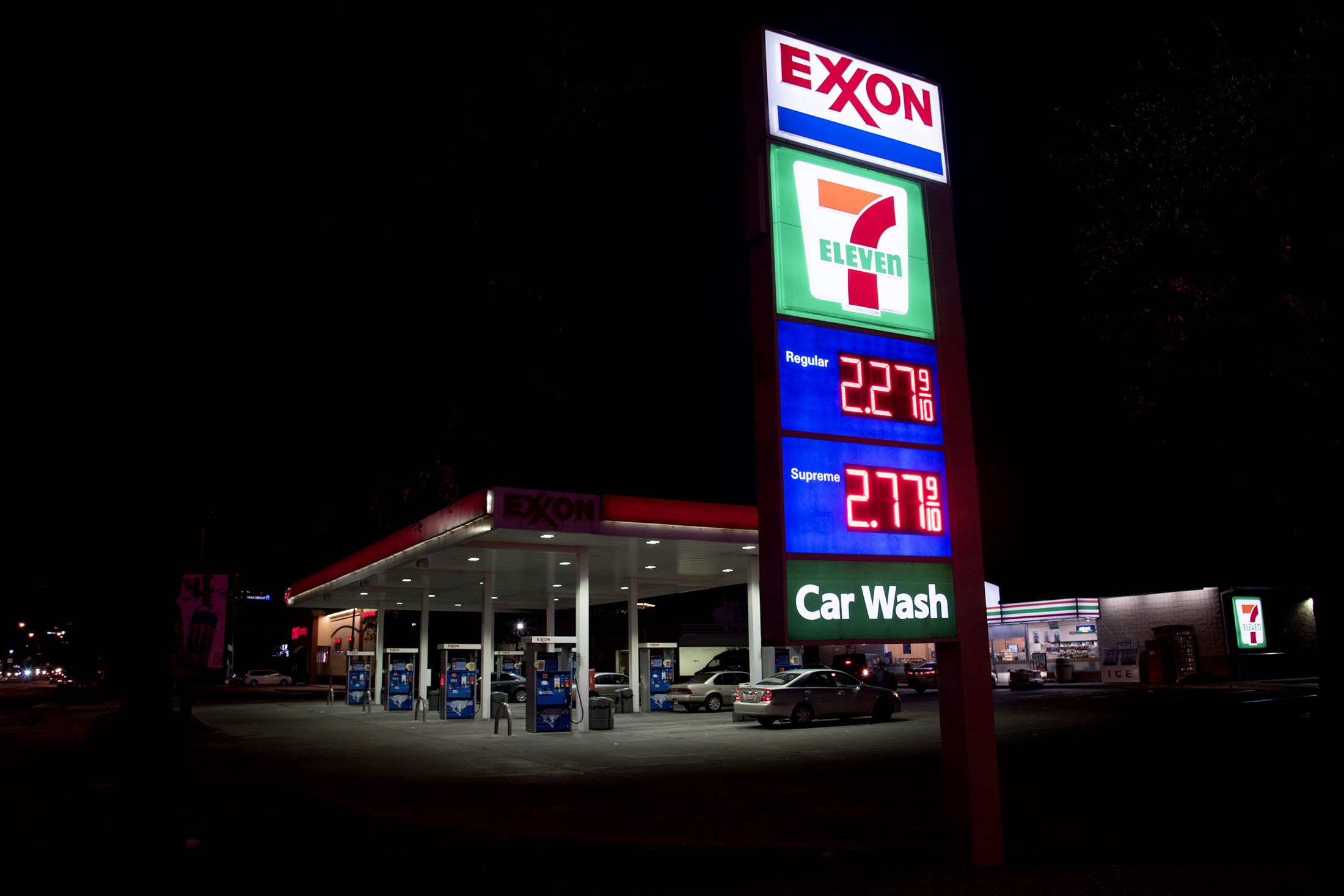 some gas with that sandwich convenience dominates fuel market
