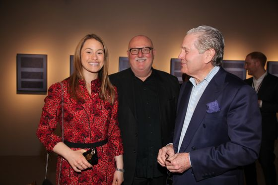 Fist Bumps and Brisk Sales Rule at Virus-Averse N.Y. Art Show