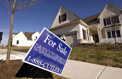 Purchases of New Homes in U.S. Probably Held Near Record Low