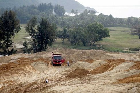 Building Golf Courses in China: An Illegal and Booming Industry
