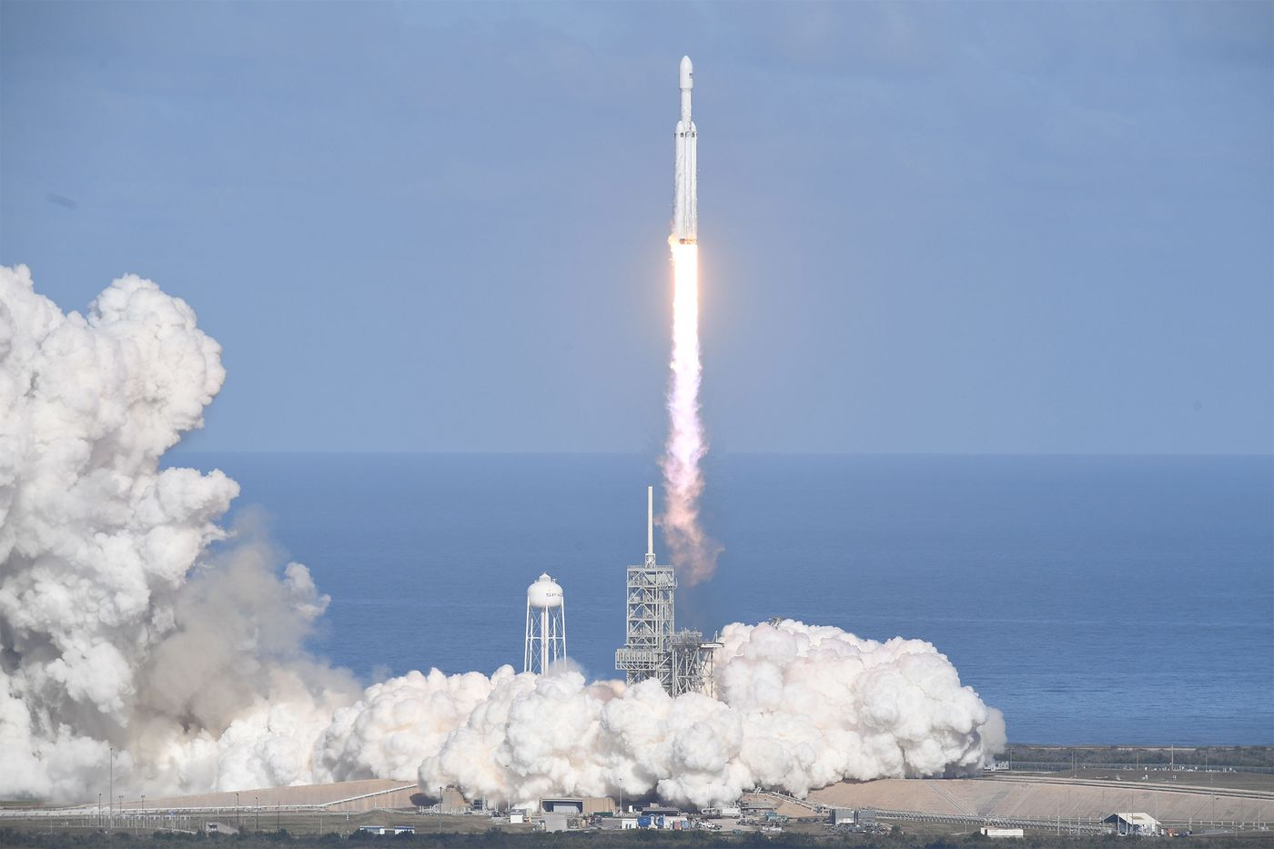 SpaceX's Giant Falcon Heavy Rocket Takes Off for the First Time