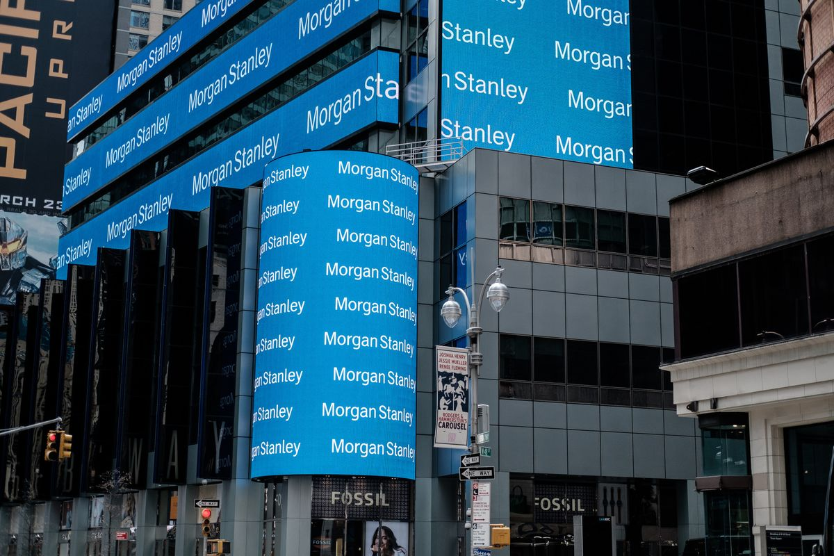 Morgan Stanley Plans to Boost Junior Banker Pay as Much as