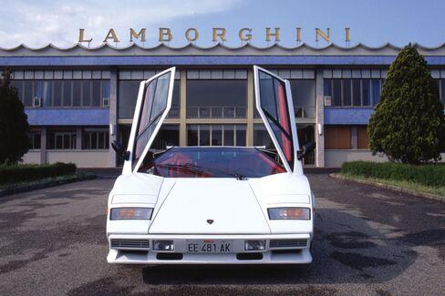 A Lamborghini Countach Quattrovalvole, circa 1985-89.