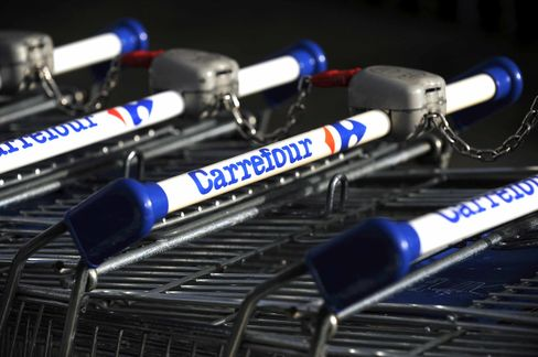 Billionaires Team Up to Back Carrefour in Brazil