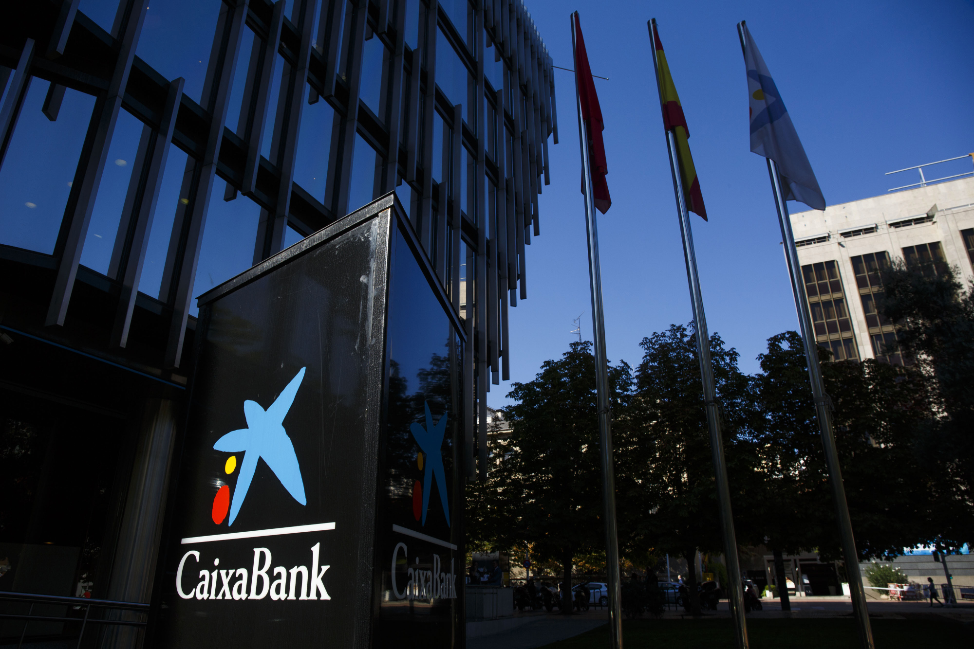 CaixaBank, Sabadell Show Low-Rate Challenges for Spain's
