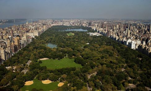 Manhattan Apartment Rents Approach Peak as Sales Inventory Falls