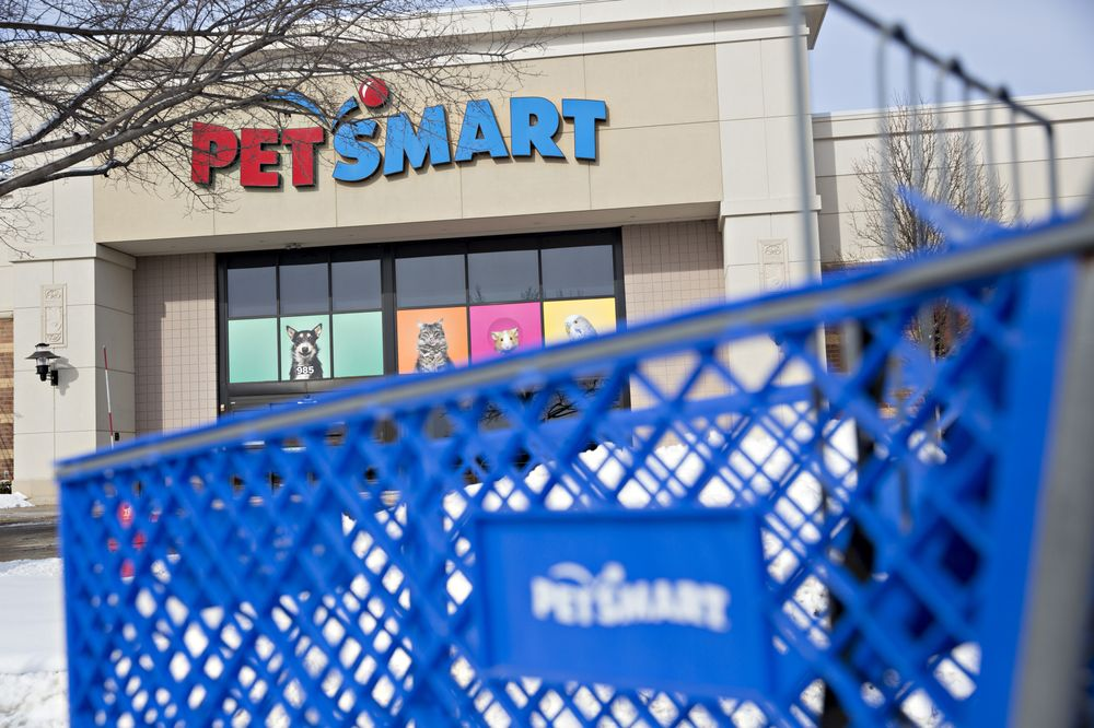 Apollo Signs On to PetSmart Proposed Loan Amendment