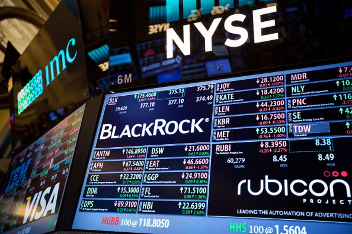 Its The New Smart Beta Craze But Blackrocks Not Convinced Bloomberg
