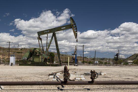 Shadow Lenders Pile Into U.S. Energy Debt After Bank Retreat