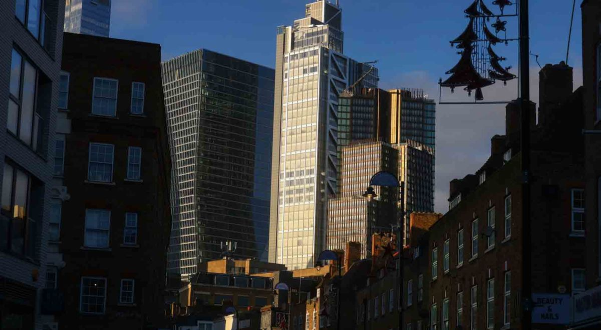 London 'Thrown to the Lions' as Brexit Finance Deal Unlikely