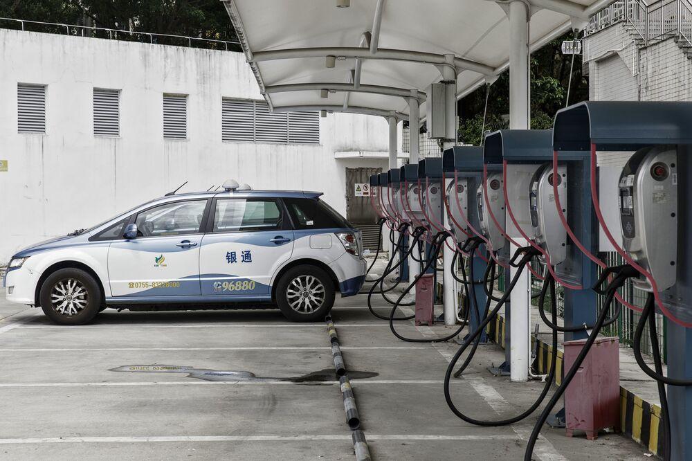 China Cuts Electric Car Subsis Shares Of Top Ev Makers Drop