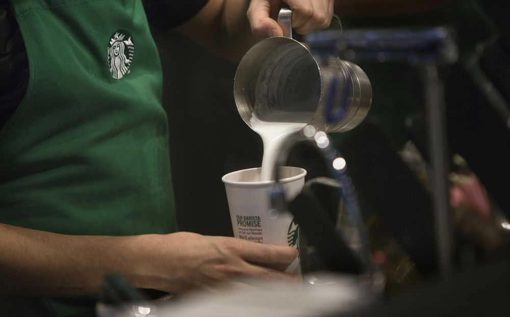 Starbucks Christmas Hours.Starbucks Baristas Want Control Over Their Hours There S An