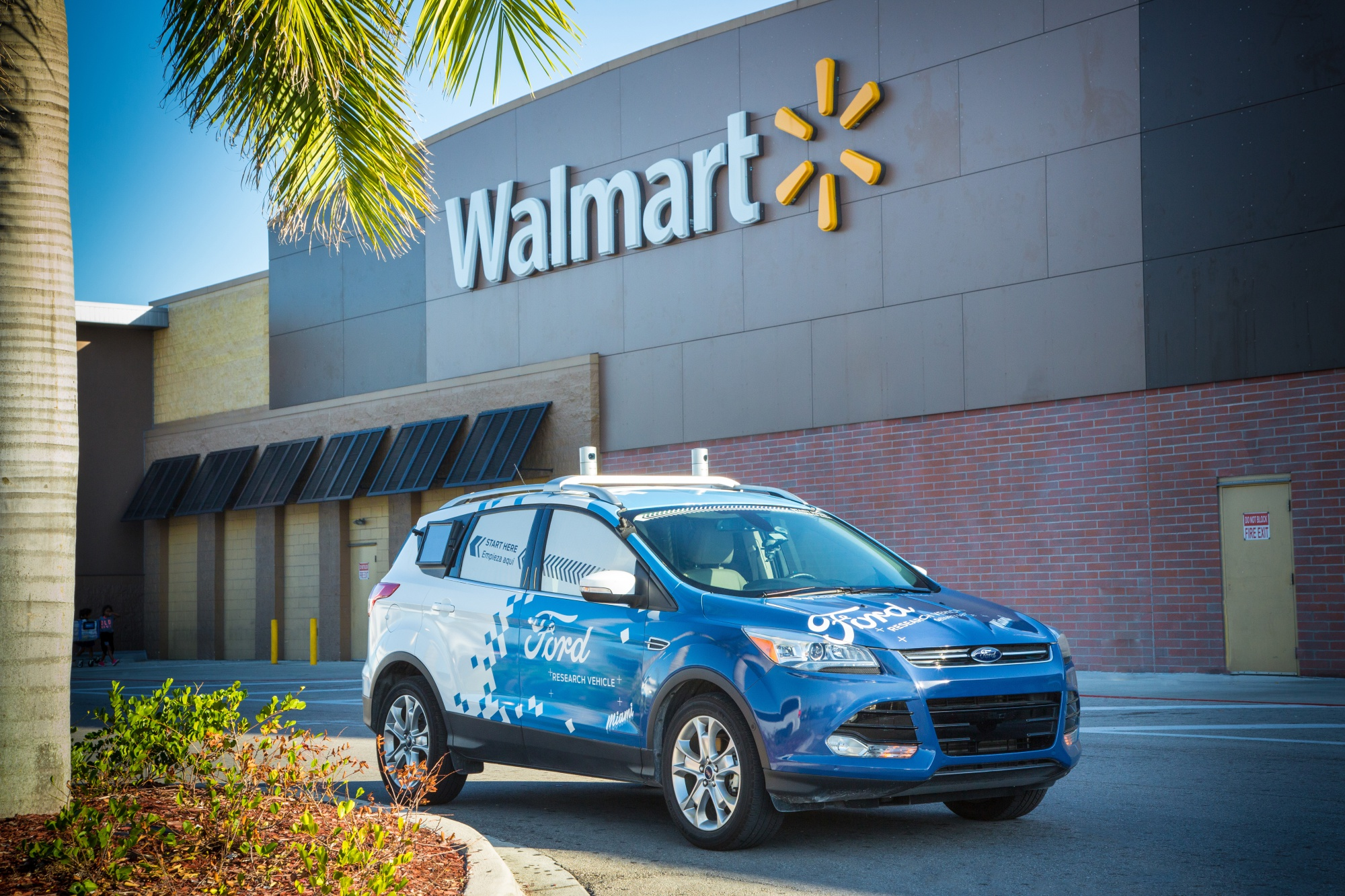 bloomberg.com - Keith Naughton - Ford's Autonomous Cars Will Whisk Walmart Deliveries to Doorsteps