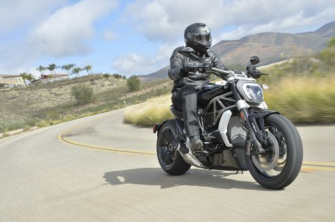 Miller on the road near San Diego. TheXDiavel will hit its maximum torque of 95 ft-lbs at 5,000 rpm.