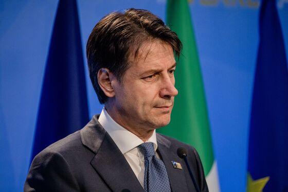 Italy's Conte Courts Trump as His Coalition Allies Bait EU