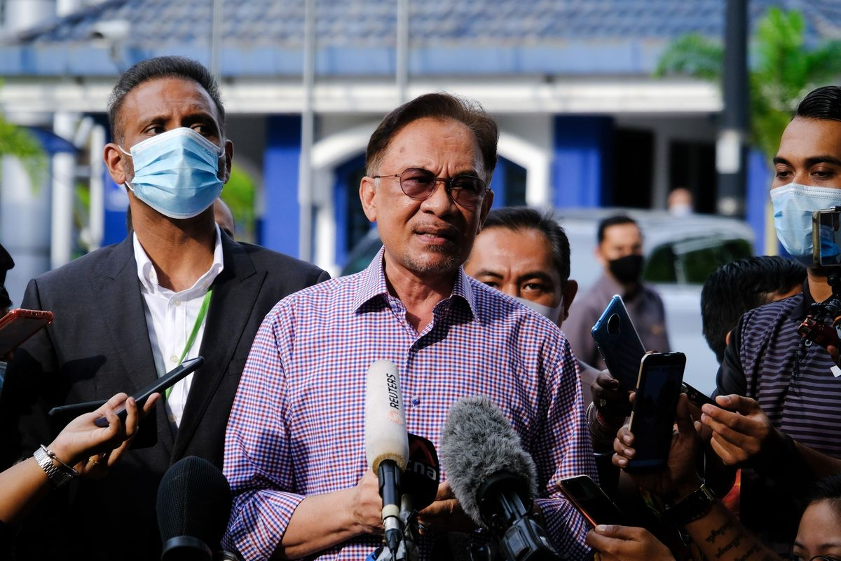 Malaysia's PM Faces Legal Challenge From Anwar Over Parliament Suspension