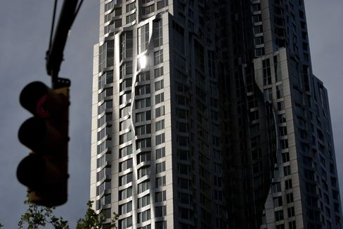 Manhattan Apartment Rents Rise Most Since 2007 as Demand Surges