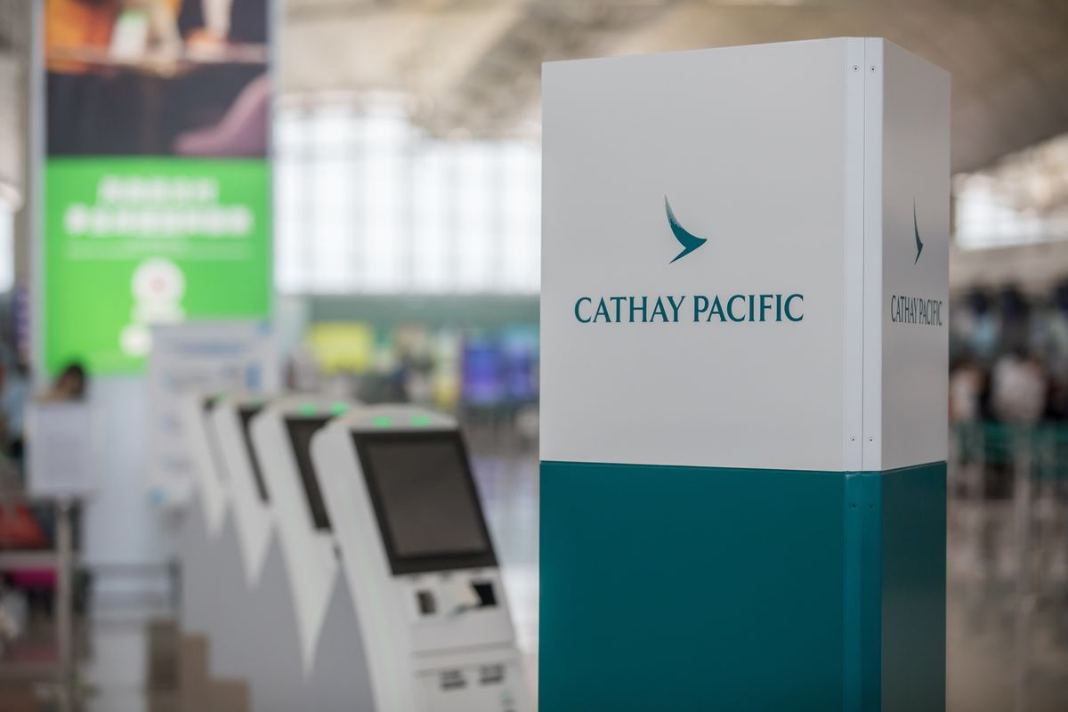 Cathay Warns Staff That Social Media Use May Breach China Rules