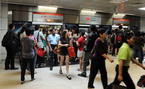 SMRT to Spend S$900 Million Upgrading Singapore Subway Network