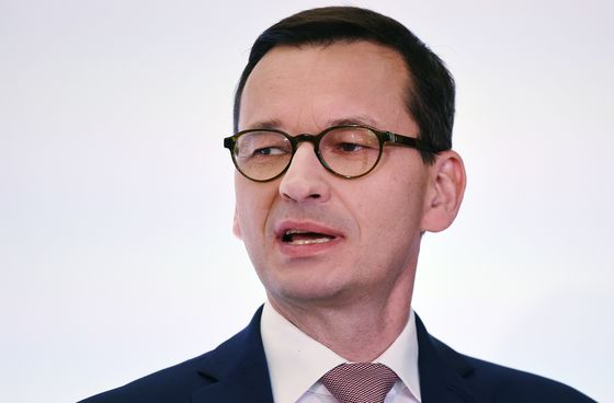 Poland Hails 2020 Central Budget Balanced by Accounting 'Tricks'