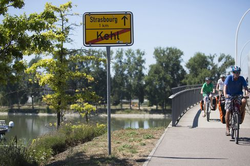 French Cross Rhine Where Jobless Gain From Germany Working